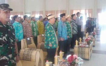 Plt Sekda Kalteng Mugeni didampingi Plt Bupati Katingan Sakariyas menghadiri rakorda FKUB di Kasongan Kamis (27/7/2017)