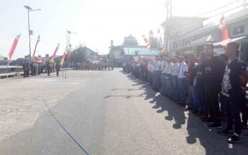 Peserta Gelar Merah Putih 2017 saat mengikuti kegiatan pelantikan tiga satgas di pelabuhan speet boad Sukamara.