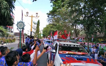 Kedatangan Tim Ekpedisi Bendera Merah Putih di Kota Sampit Disambut Meriah