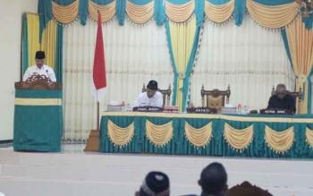 Bupati Lamandau, Marukan, saat penyampaian pidato pengantar nota keuangan dan rancangan perubahan APBD TA 2017, pada rapat paripurna di gedung DPRD Lamandau, Rabu (2/8/2017).
