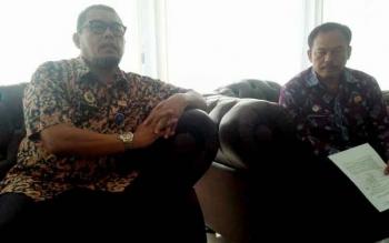 Kakanwil Kemenkumham Kalteng Agus Purwanto didampingi pegawainya, Sardiaman Purba
