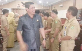 Wakil Ketua DPRD Kotim, Parimus usai memimpin paripurna beberapa waktu lalu