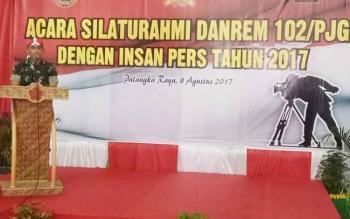 Danrem 102/Pjg Kolonel Arm M Naudi Nurdika memberikan sambutan.