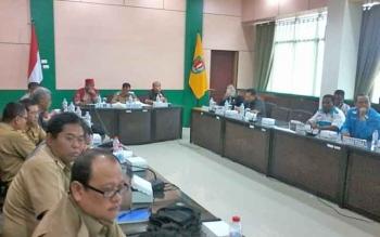 Anggota DPR RI Ini Janji Bantu Masyarakat yang Ingin Kelola Hutan dan Buka Lahan Pertanian