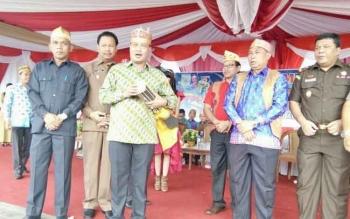 Tabuhan Tifa Bupati Marukan Tandai Dimulainya Festival Budaya Kabupaten Lamandau 2017