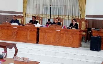 Ketua DPRD Gunung Mas Pimpin Rapat Paripurna Penetapan Dua Raperda Menjadi Perda