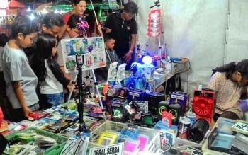 Salah satu lapak penjual yang ada di arena pameran Palangka Fair, Lapangan Sanaman Mantikei