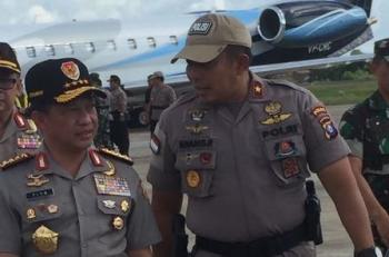 Kapolri Jendral Tito Karnavian (kiri) telah tiba di Bandara Tjilik Riwut, Kota Palangka Raya, Kalteng, Rabu (9/8/2017).
