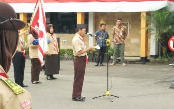 Ketua Kontingen Barito Utara, Eko Mulyadi saat menyampaikan sambutan pada kegiatan pelepasan peserta Raimuna Nasional ke XI tahun 2017