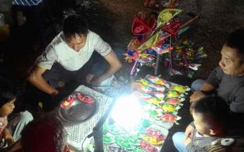 Salah satu pedagang yang berjualan di lokasi Palangka Fair, pekan lalu.