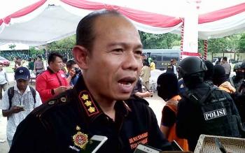 Direktur Reserse Narkoba Polda Kalteng Kombes Pol Agustinus Suprianto memberikan keterangan kepada wartawan, Selasa (15/8/2017).