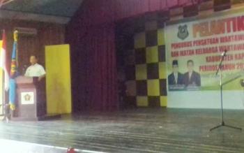 Bupati Kapuas Ben Brahim S Bahat saat menyampaikan sambutan di pelantikan Ketua PWI Kapuas di Kantor PWI Kapuas, Rabu (16/8/2017)