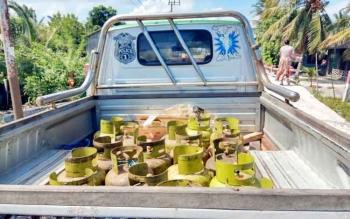 Mobil pikap yang kerap digunakan untuk memborong gas elpiji melon 3 kg bersubsidi, gas elpiji tersebut dijual kembali dengan harga komersil.