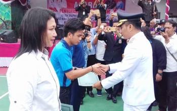 Penyerahan remisi di Lapas Klas IIb Sampit oleh Bupati Kotim, H Supian Hadi.