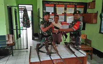 Penyerahan senjata ke Kodim Palangka Raya.