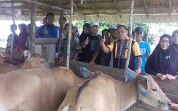Sekretaris DPD Hanura Kalteng, Nono saat berkunjung ke Seruyan.