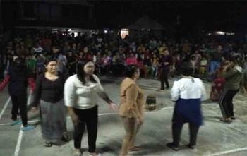 Warga Jingah saat menari Manasai bersama