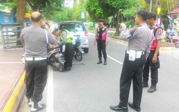 Razia kendaraan yang pajaknya kedaluwarsa di Jalan Sutan Syahrir Pangkalan Bun Senin (21/8/2017) sekitar pukul 10.00 WIB