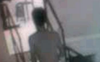 Ilustrasi pencuri telanjang bulat terekam CCTV