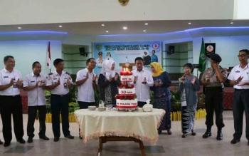Bupati Pulang Pisau Edy Pratowo beserta istri dan sejumlah Kepala OPD di lingkungan Pemkab Pulang Pisau saat menghadiri HUT IBI yang ke-66.