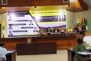 Suasana penyampaian visi-misi lima calon rektor UPR di Aula Rahat, Rabu (23/8/2017).