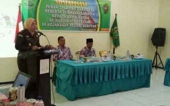 Kepala Kejaksaan Negeri Seruyan, Jasmaniar saat memberikan sambutan acara sosialisasi TP4D yang dihadiri seluruh kepala desa di Seruyan, Kamis (24/8/2017).