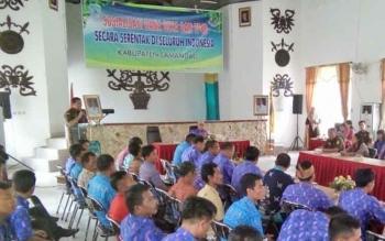 Tampak Kajari Lamandau, Ronald H. Bakara saat menyampaikan laporan pada pembukaan sosialisasi Dana Desa dan TP4D, di Aula Bappeda, Kamis (24/8/2017).