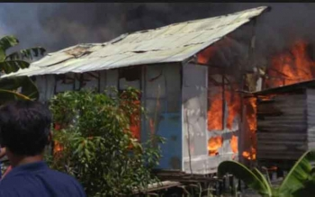 Kebakaran rumah yang terjadi jalan Kapuas Seberang 1 RT 13, Kelurahan Barimba, Kecamatan Kapuas Timur, Kabupaten Kapuas.