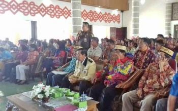 Kegiatan sosialisasi DD dan TP4D di Aula Pemerintah Daerah Kabupaten Kapuas.
