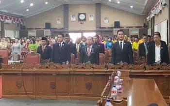 Legislator Kotim dalam salah satu rapat paripurna.