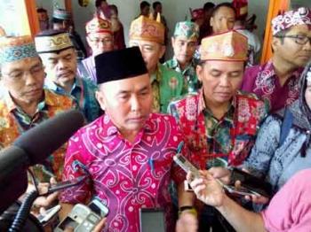 Gubernur Berpesan Agar Orang Dayak Bangkit Meraih Kesuksesan