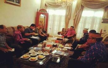 Gubernur Kalteng, Sugianto Sabran menerima kedatangan Bupati Marukan dan sejumlah panitia Pesparawi, Sabtu (26/8/2017)