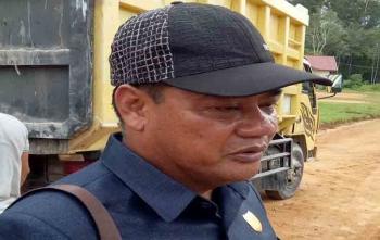 Anggota DPRD Kabupaten Gunung Mas) Untung Jaya Bangas