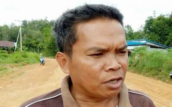 Kepala Desa Tumbang Pajangei, Kardi.
