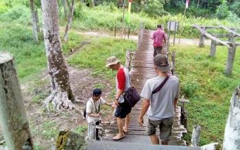 Tim BPCB melakukan studi teknis di Betang Tumbang Gagu