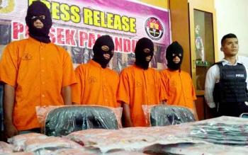 Empat tersangka pengedar carnophen diamankan polisi