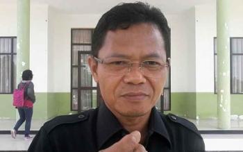 Ketua Pengadilan Negeri Kasongan Ahmad Bukhori memberikan keterangan pers, Selasa (29/8/2017).