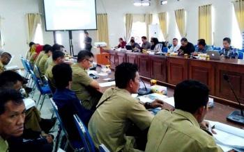 Bimtek perpajakan bagi pejabat Pembuat Komitmen, Kuasa Pengguna Anggaran (KPA) dan Bendahara SOPD, di Aula Bappedalitbang, Kabupaten Barito Utara, Selasa (29/8/2017).
