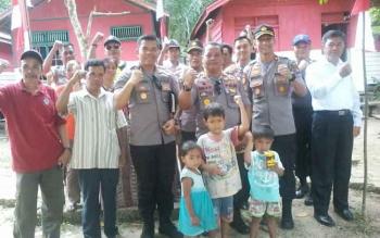 Tim penilai dari Polda Kalteng saat berada di Kampung Merah Putih Bersinar (Bersih Narkoba) di RT 08 Kamenran, Kelurahan Jambu, Kecamatan Teweh Baru, Rabu (30/8/2017)