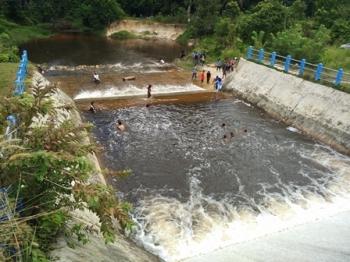 Dam Trinsing, Desa Trinsing, Kecamatan Teweh Selatan, Kabupaten Barito Utara.