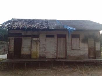Kondisi rumah dinas guru SDN 1 Rangda, Kecamatan Arsel