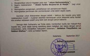 Surat Edaran Bupati Sukamara Ahmad Dirman, yang mengajak masyarakat menghentikan kegiatan saat adzan berkumandang.