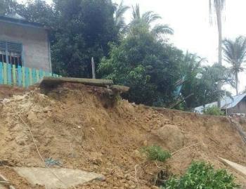 Longsor di Desa Bengahon, Kecamatan Lahei, Kabupaten Barito Utara, beberapa waktu lalu.