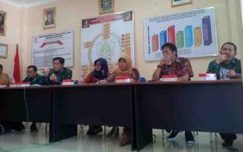 Panitia pelaksana Festival Seni Qasidah dan Rebana tingkat Provinsi Kalimantan Tengah VI tahun 2017 di Muara Teweh menggelar rapat koordinasi dengan tim kerja provinsi.