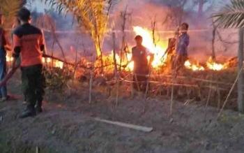 Kebakaran lahan di Kota Sampit yang muncul Sabtu (9/9/2017) sore.