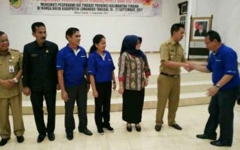 Bupati Lepas Kontingen Pesparawi ke-16 Tingkat Kalteng