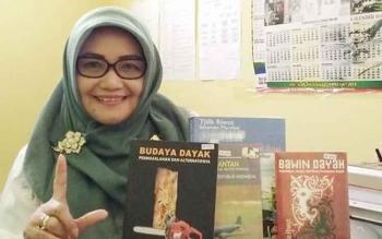 Kepala Dinas Perpustakaan dan Kearsipan Daerah Kabupaten Kapuas Nor Apiati