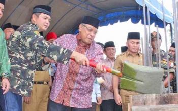 Peletakan batu pertama pembangunan gedung NU Kalteng di Kota Palangka Raya, Senin (11/9/2017).