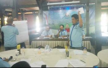 Voting pemilihan ketua PWI Kobar di Quizas Cafe, Pangkalan Bun, Selasa (12/9/2017).