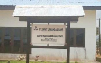 Plang Kantor Perusahaan PT. SLR